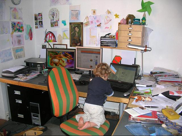 Kreatives Chaos, Blog - Arbeitsplatz mit Hilfsarbeiter