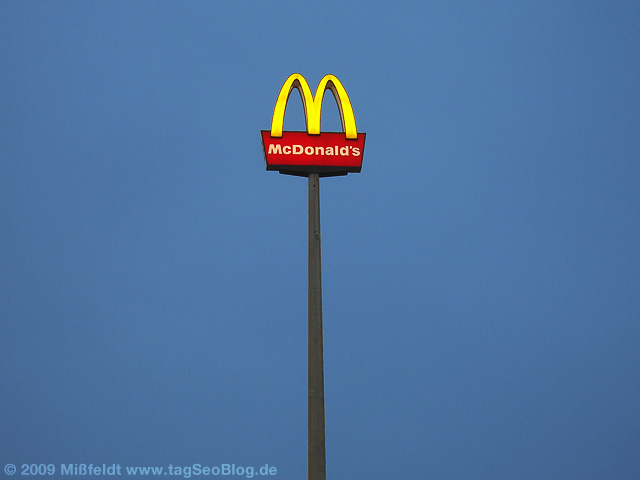 McDonalds-Logo (rot-gelb-blau)